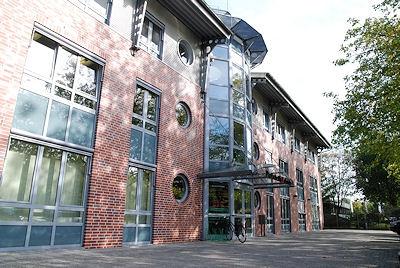 In diesem Gebäude in Bremen arbeitet die Feuerwehr-Magazin-Redaktion.