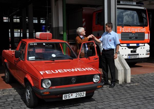Fahrzeugübergabe bei der BF Braunschweig. Foto: Feuerwehr