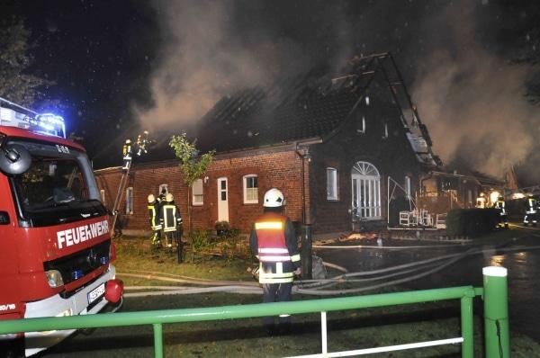 Bauernhof bei Unwetter abgebrannt. Foto: Guido Bludau