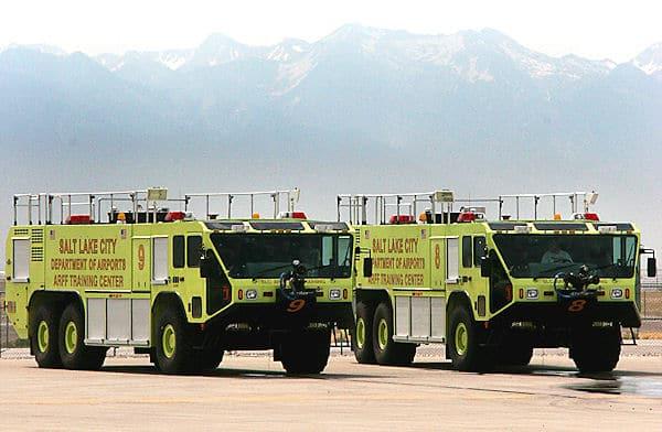 """Aushängeschild von Oshkosh: Flughafenlöschfahrzeuge """"Striker"""". Foto: Oshkosh"""