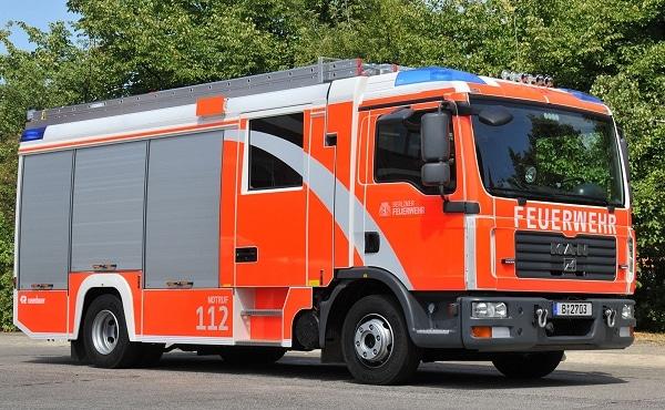Das erste Löschhilfeleistungsfahrzeug LHF 20/12 im neuen Design stellte die BF Berlin in Dienst. Fahrgestell MAN TGL 12.240, Aufbau Rosenbauer. Foto: Pressestelle Berliner Feuerwehr