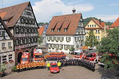 Gruppenfoto mit der Feuerwehr Pfullingen. Foto: Klöpper