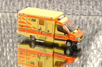 Das Rietze-Modell des neuen RTW der Feuerwehr Delmenhorst. Foto: Olaf Preuschoff