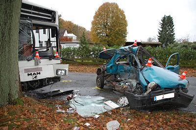 Die beteiligten Unfallfahrzeuge in Lübberstedt. Foto: Polizei