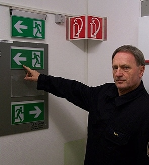Ausbilder Bernd Rohr bei Erklärungen. Foto: KFV Ennepe-Ruhr
