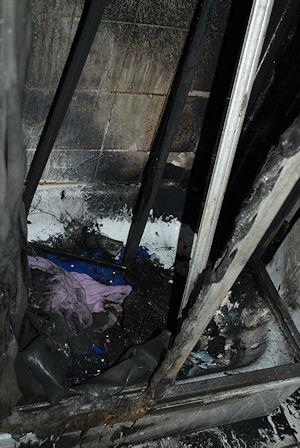 Blick in die ausgebrannte Dusche. Foto: Polizei