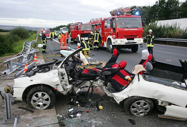 Tödlicher Verkehrsunfall auf der A 2. Im Jahr 2009 sind weniger Menschen im Straßenverkehr gestorben, als jemals zuvor. Foto: Stefan Simonsen