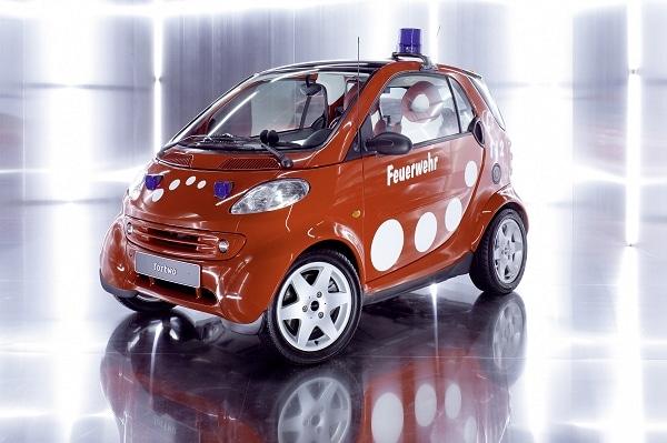 Feuerwehrflitzer auf smart fortwo. Foto: Mercedes Benz