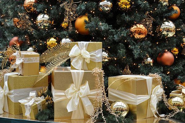 wir w nschen ihnen frohe weihnachten feuerwehr magazin. Black Bedroom Furniture Sets. Home Design Ideas