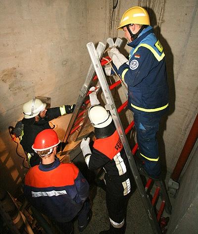 Gemeinsame Übung von THW und Feuerwehr in Füfth. Foto: Levent Weber