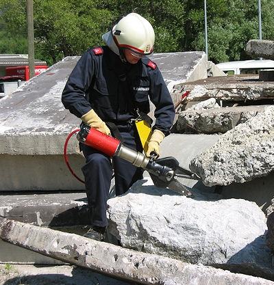 Mobiles hydraulisches Rettungsgerät. Foto: Weber Hydraulik