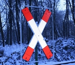 Andreaskreuz an Bahnübergang. Foto: Thorsten Liers