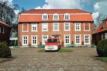 """Die Feuerwehrschule in Loy - künftig Teil der """"Akademie für Brand- und Katastrophenschutz in Niedersachsen"""". Foto: Olaf Preuschoff"""