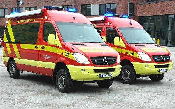 Zwei neue, baugleiche Mercedes Sprinter beschaffte die Feuerwehr Ratingen. Sie können sowohl als Einsatzleitwagen als auch als Messfahrzeug eingesetzt werden. Foto: Torsten Schams/Feuerwehr