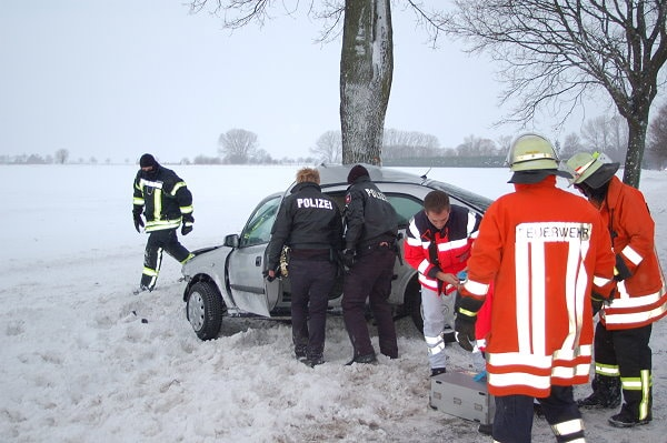 Bei diesem Unfall starb bei Stadthagen eine 25-Jährige. Foto: Polizei