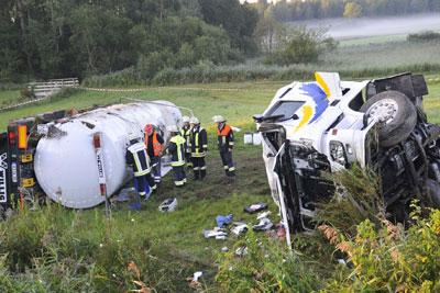 Schwerer Lkw-Unfall auf der A 8. Foto: Thomas Gaulke