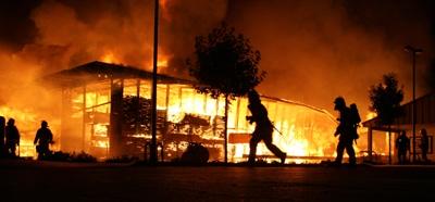 Großbrand in einem Betrieb in Tuttlingen. Foto: Feuerwehr