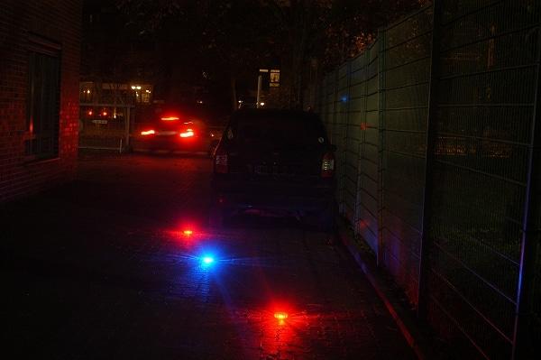 Schnelle und effiziente Absicherung von Einsatzstellen oder liegengebliebenen Fahrzeugen ermöglichen die neuen LED-Blitzer der Firma Lührs Rescue. Foto: Olaf Preuschoff