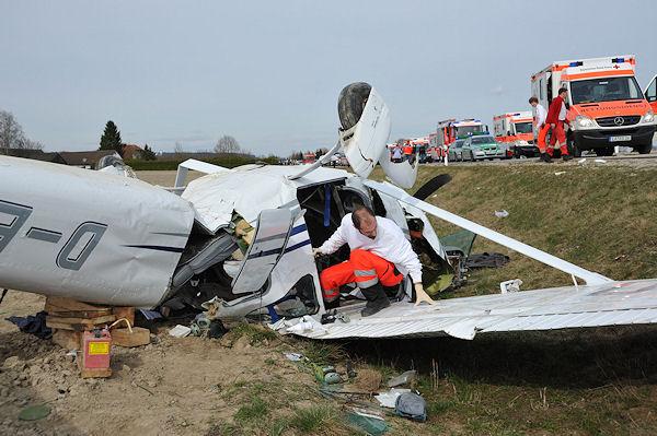 Flugzeugabsturz bei Landshut. Foto: fib/sobo