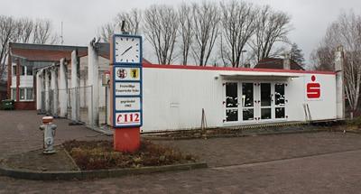 Seit einigen Monaten das Feuerwehrhaus der FF Syke: ein Containerbau als Leihgabe der Sparkasse. Foto: Patzelt