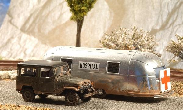 Mobiles Hospital mit Toyota RJ4 als Zugfahrzeug und Airstream-Wohnwagen als Sanitätsstation. Foto: Olaf Preuschoff