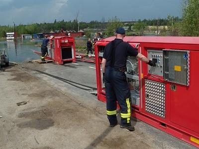 Hochleistungspumpen in Polen im Einsatz. Foto: Feuerwehr Koblenz