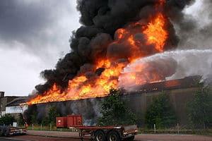 Großbrand in Bremen-Industriehäfen. Foto: Berufsfeuerwehr Bremen