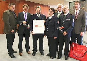 """Übergabe des Sonderpreises beim """"IF Star"""" in Kiel. Foto: Bauer/LFV SH"""