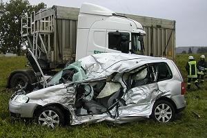 VW Touran zertsört. Foto: Bad Wurzach