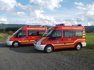 Zwei neue MTW erhielten die Feuerwehren Bettingerode und Harlingerode. Foto: Stephan Butzlaff/Feuerwehr