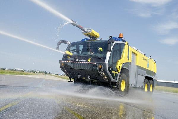 Rosenbauer liefert 19 weitere Flughafenlöschfahrzeuge vom Typ Panther nach Malaysia. Foto: Rosenbauer