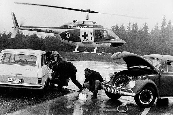 """Anfänge der Luftrettung: Der erste Rettungshubschrauber, auf den Namen """"Kolibri"""" getauft, war vom ADAC angemietet. Foto: ADAC"""