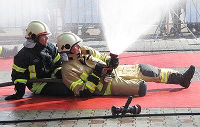 Überhosen bieten einen optimalen Schutz für Feuerwehrleute im Einsatz. Foto: Texport