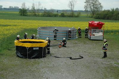 Die FF Mering kann mit ihren Mitteln den Inhalt eines Tankzugs auffangen. Foto A. Müller