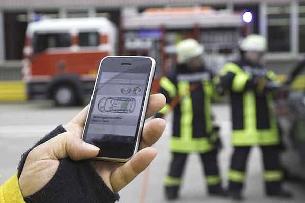 Opel bietet seine Rettungsleitfäden jetzt auch als Smartphone-Applikation. Foto: Opel