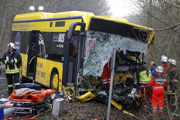 Tödlicher Unfall mit Linienbus: Dieser Unfall führt jetzt zu einer Spende für die Feuerwehr. Foto: Iwersen
