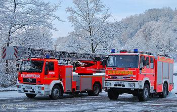 Das 120.000-ste Bild bei bos-fahrzeuge.info: DLK und HLF der Feuerwehr Hof. Foto: Tim Raml / bos-fahrzeuge.info
