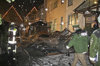 Feuer auf dem Weihnachtsmarkt Kirchheim / Teck: Zwei Frauen erlitten Verletzungen. Foto: Oskar Eyb