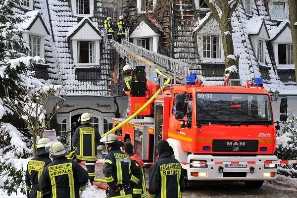 Feuer im Waldhotel Reinbek. Foto: SH-Presseservice / Timmann