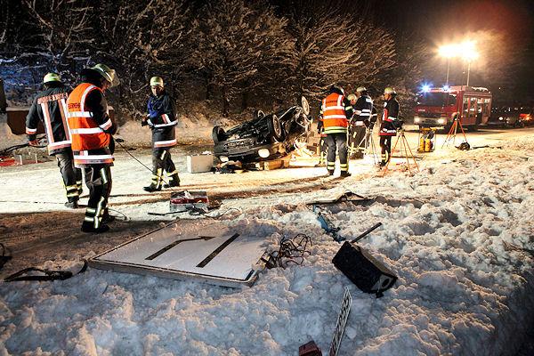 "Schwerer Verkehrsunfall auf der ""alten B 14"" in Waiblingen. Foto: Benjamin Beytekin"