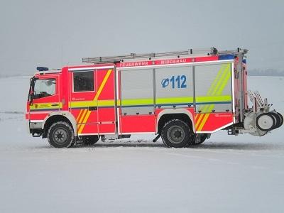 Auffällig die Beklebung unter anderem mit leuchtgelben Streifen. Foto: Malte Dorrmann/Feuerwehr