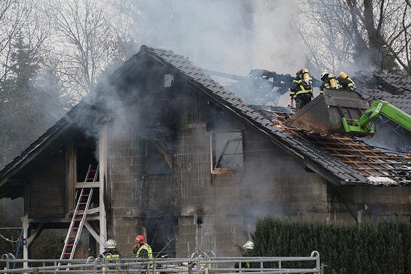 In diesem Wohnhaus kam eine vierköpfige Familie ums Leben. Foto: Sascha Ditscher