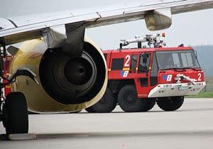 Symbolfoto: Flughafenlöschfahrzeug auf dem Allgäu-Airport Memmingen. Foto: Michael Klöpper