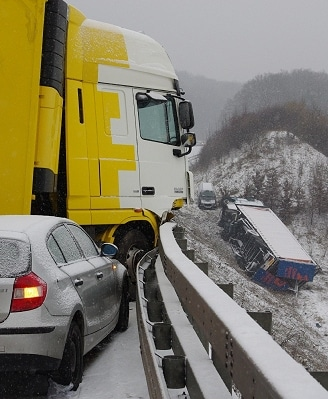 Massen-Unfall auf A3. Foto: Wiesbaden112.de