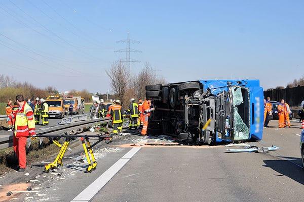 Unfall auf der A 66: Sieben Menschen erlitten dabei Verletzungen. Foto: D3S media/Schmidt