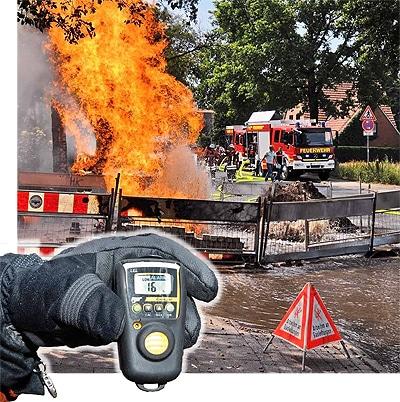 In Nordhorn (NI) kam es im Juni 2009 zu einer Explosion in einer Grube. Nach den ersten Löschmaßnahmen schlugen die Gasmessgeräte an. Wir stellen unterschiedliche Warner vor. Foto: Konjer