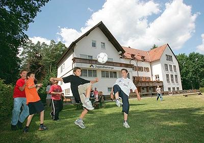 Das Deutsche Jugendherbergswerk bietet seinen Gästen Vielfalt – von sportlichen Programmen bis zu interessanten Reisezielen.Die Unterkünfte eignen sich hervorragend für Gruppenreisen der JF. Foto: DJH