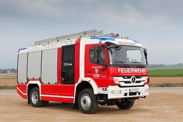 Auf der Leitmesse Interschutz 2010 präsentierte Rosenbauer erstmals den neuen AT. Das erste Serienfahrzeug ging jetzt an den LZ Holzhausen der FF St. Georgen. Foto: Rosenbauer