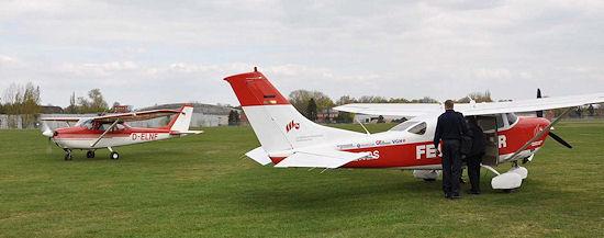 Anfliegen des Feuerwehrflugdienstes: Die Luftbeobachter starten zu einer praktischen Übungseinheit. Foto: Schmidt/Feuerwehr