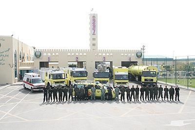 In den Emiraten sind die Feuerwehrfahrzeuge grundsätzlich gelb. Foto: Bauer